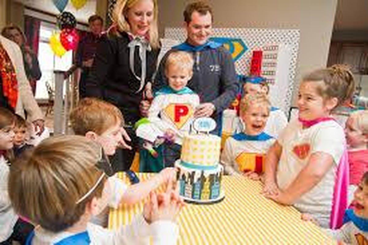 celebrating your kids first birthday party