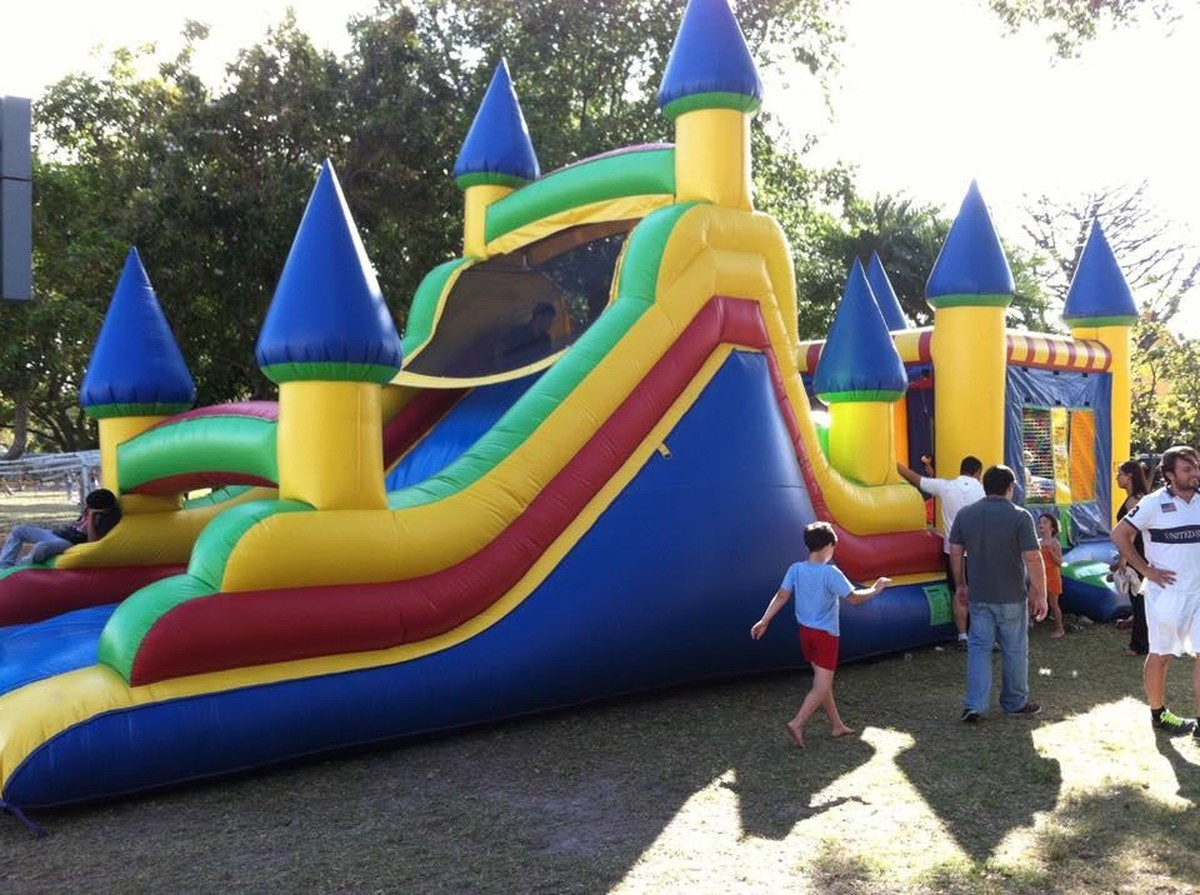 how to select the right bounce house rental