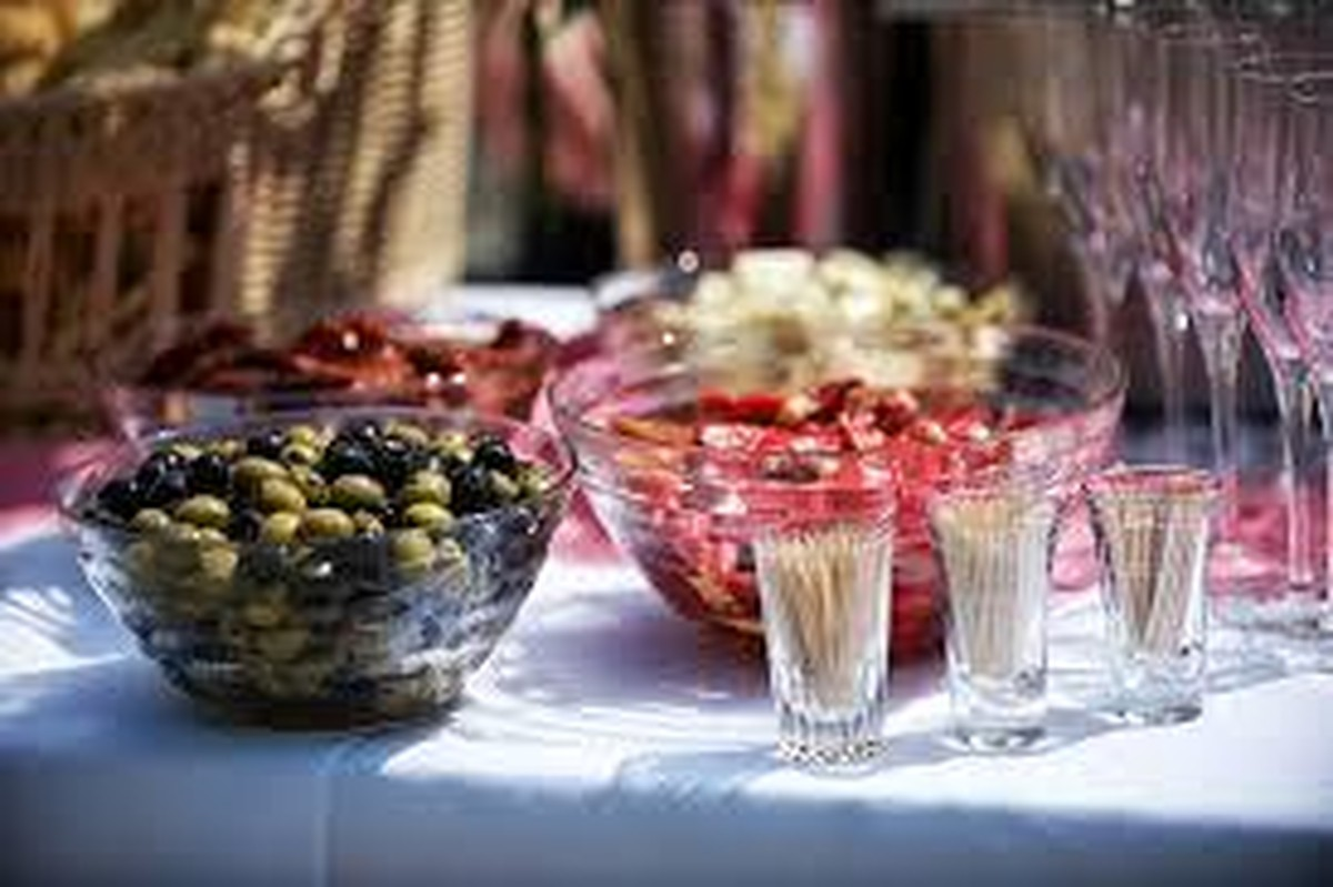 should you hire a party planner for your event