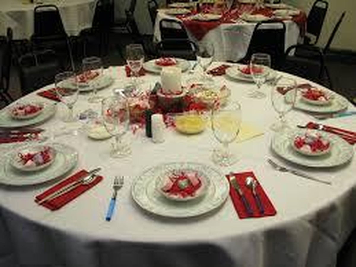 valentine's day party tablewear