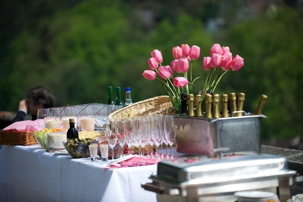 why should i hire a party planner