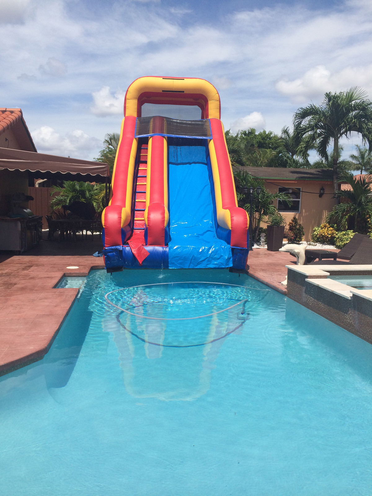 20  Tall slide into the pool